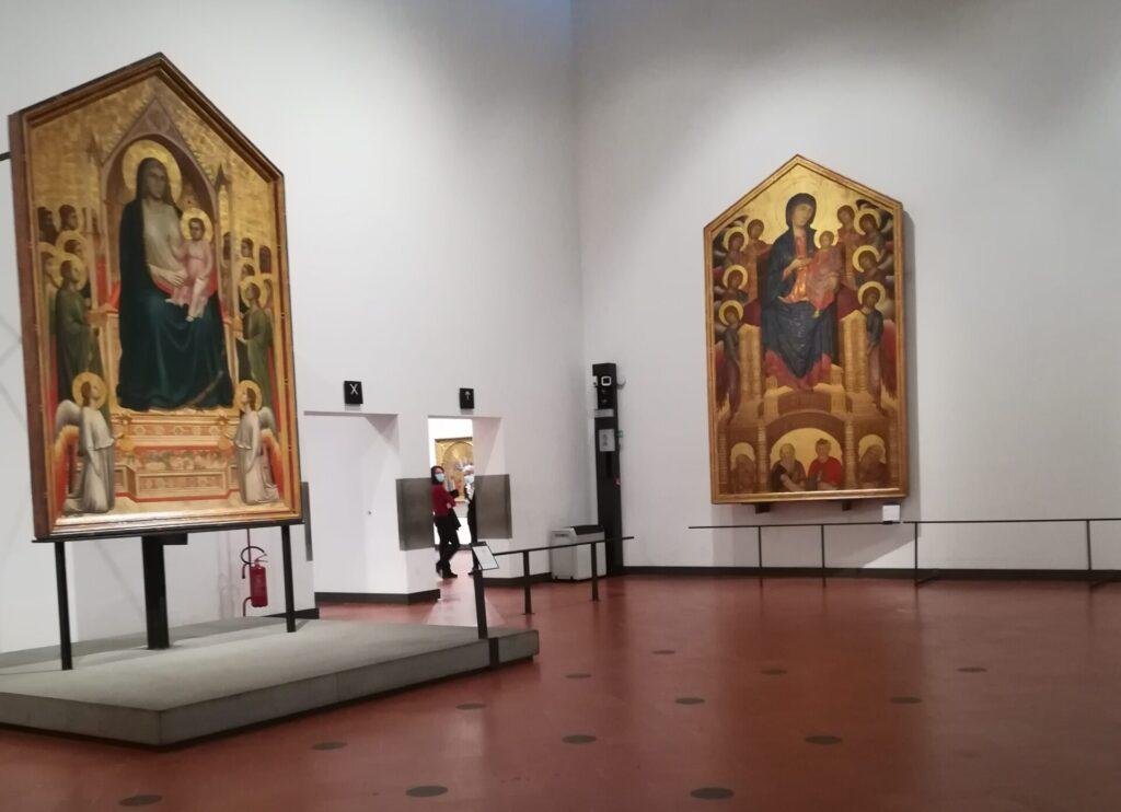 Uffizi al tempo del Covid. Qui si vede la Sala del Trecento senza visitatori